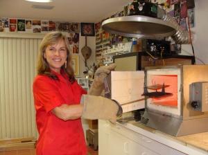 Kathy Wilcox firing in an enamel kiln(1)